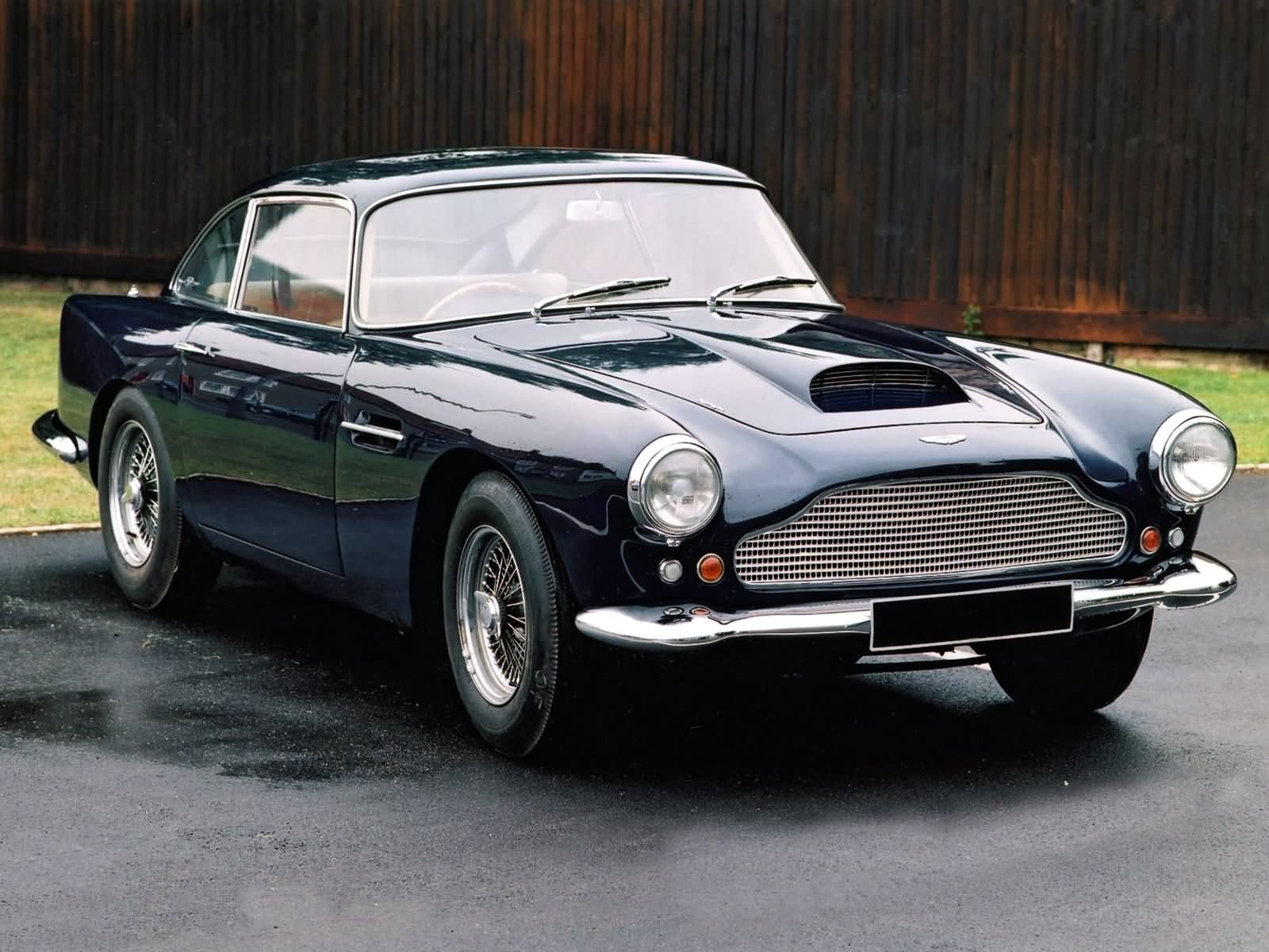 Car: Aston Martin DB4
