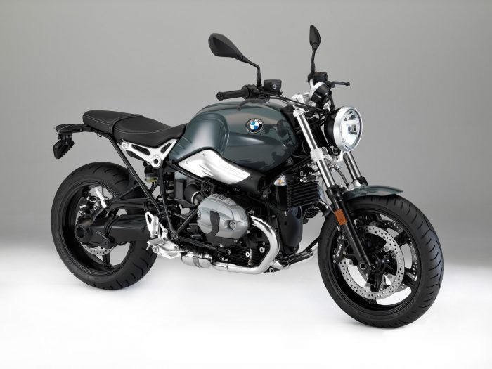 Motorcycle with tank in black and silver model 2018 _BMW_R_Nine_T_Pure